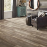 Horizen Flooring presents to you a picture of a 12mm Laminate flooring with click lock system, manufactured by EagleCreek Floors. Color: Oak Santana.