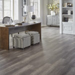 Horizen Flooring presents to you a picture of a 12mm Laminate flooring with click lock system, manufactured by EagleCreek Floors. Color: Oak Carolina.