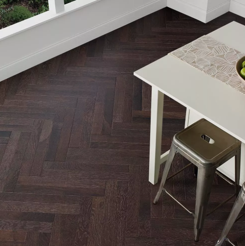 Horizen Flooring presents to you a picture of a herringbone or parquet pattern Oak hardwood flooring, manufactured by Regal Hardwoods. Color: Aiden.