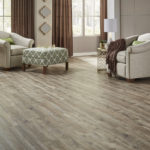Horizen Flooring presents to you a picture of a luxury vinyl plank flooring, manufactured by Eagle Creek Floors in the Syncorex collection. Color: Long View Pine